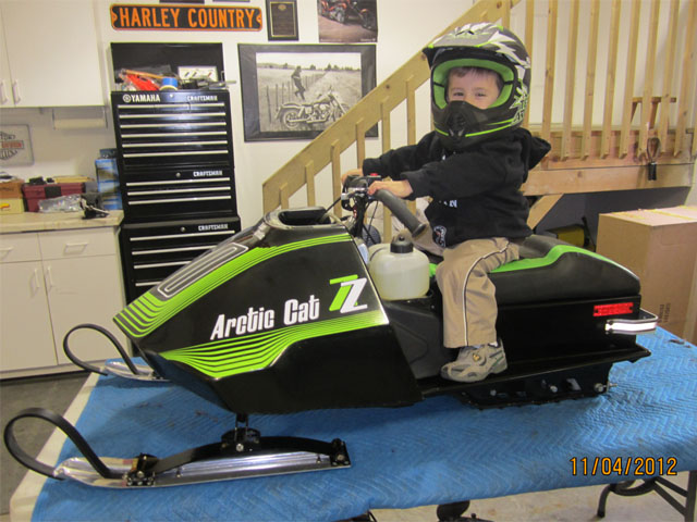 Mini Sleds - Youth Sized Snowmobiles